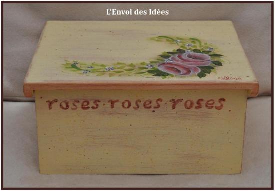 coffret-roses-anciennes-de-cote.jpg
