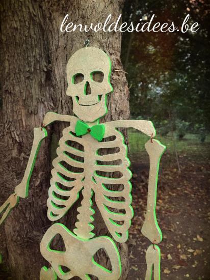 Squelette vert de face