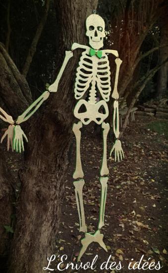 Squelette vert tout entier